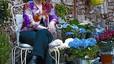 """Flora Miserachs: """"Si solo vendiera flores y tiestos, me aburriría como una ostra"""""""
