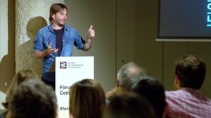 El actor y autor teatral Quim Masferrer, de El foraster (TV-3) en su ponencia en Fòrum de la Comunicació del CAC.