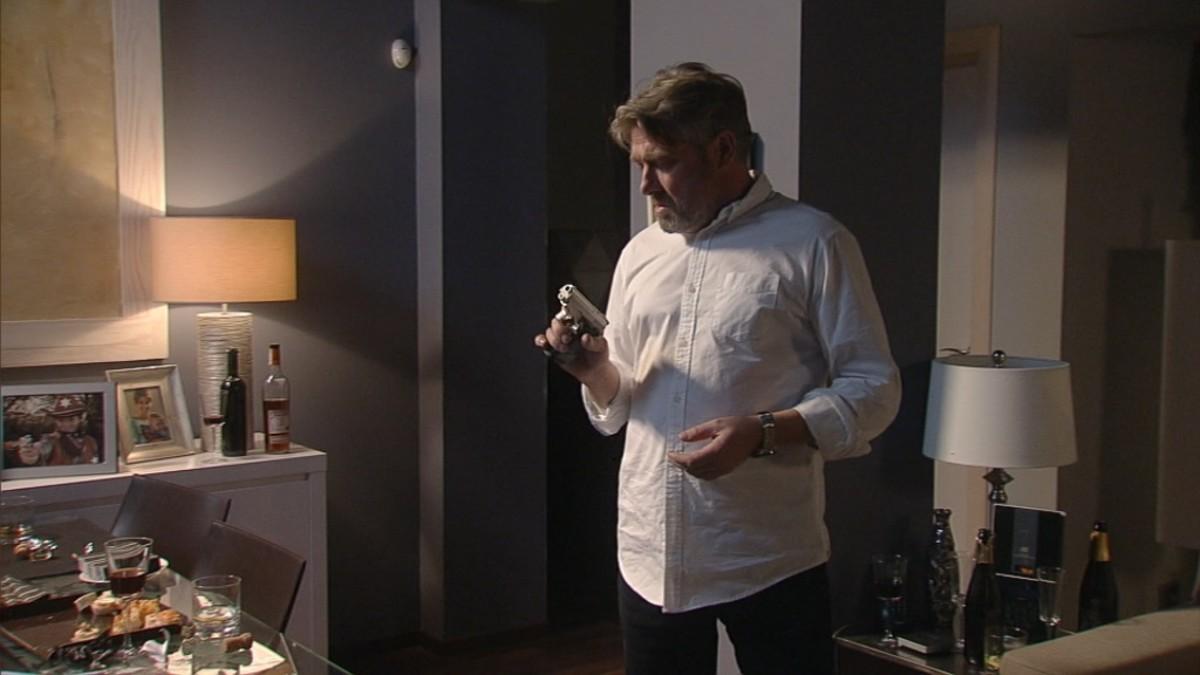 El actor Pere Aquillué, en la serie de TV-3 La Riera.