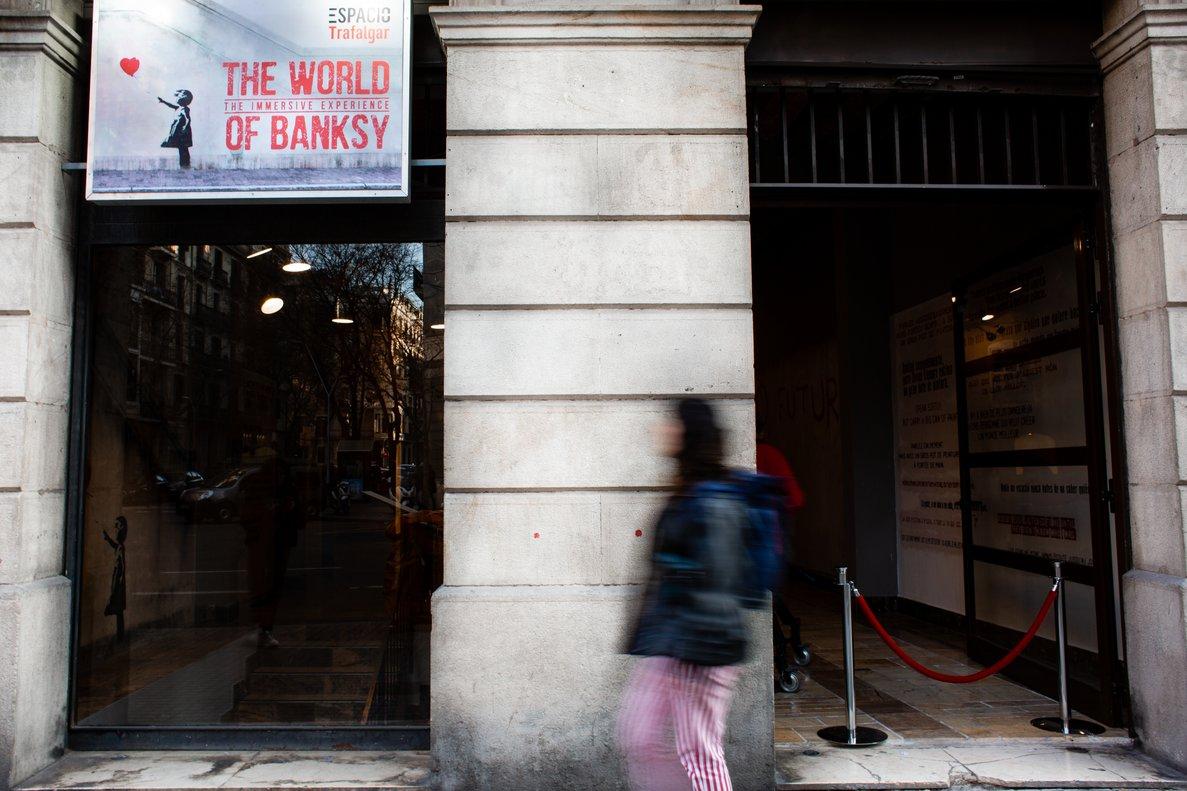 Una exposició reprodueix un centenar d'obres de l'enigmàtic Banksy