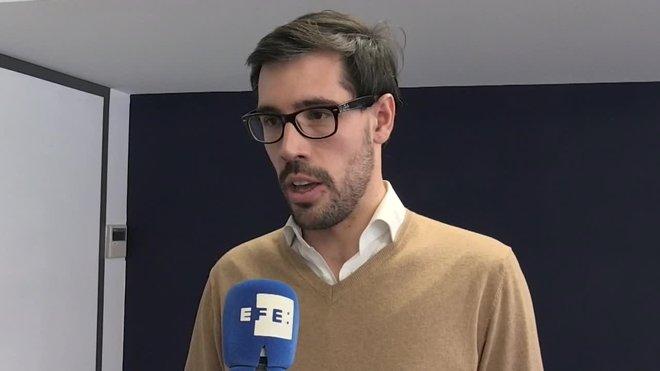 La compañía Uber ha reiterado este miércoles que dejará de operar el servicio de vehículos de alquiler con conductor (VTC) en Barcelona si se aprueban las restricciones que pretende impulsar la Generalitat.