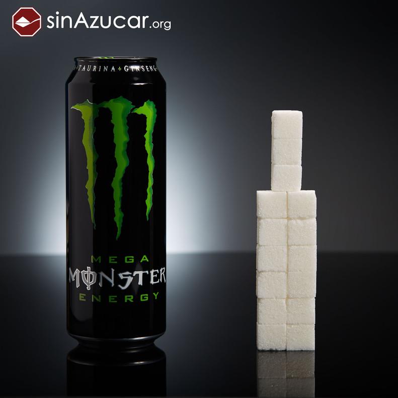 Una lata de Monster (553ml) tiene 60 gr de azúcar (15 terrones). ¡Cuidado! Su consumo es frecuente en adolescentes.