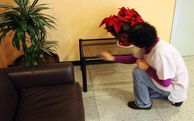 Una trabajadora del hogar, en Barcelona.
