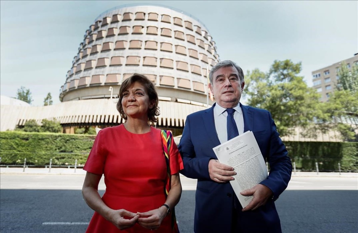 El portavoz del PP en el Senado, José Manuel Barreiro, y la portavoz adjunta, Rosa Vindel.