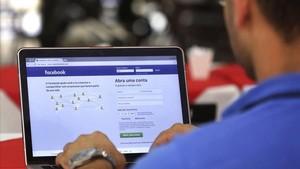 Facebook posa fre a la publicitat discriminatòria