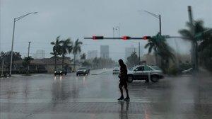 L'huracà 'Dorian' es debilita abans d'arribar a Florida