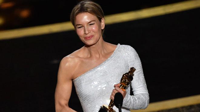 Renée Zellweger dedica l'Oscar a la millor actriu a «Judy Garland, que no va rebre aquest premi en el seu moment»