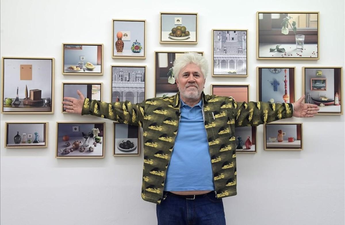 Pedro Almodóvar, en la galería Topacio Fresch, el pasado viernes.