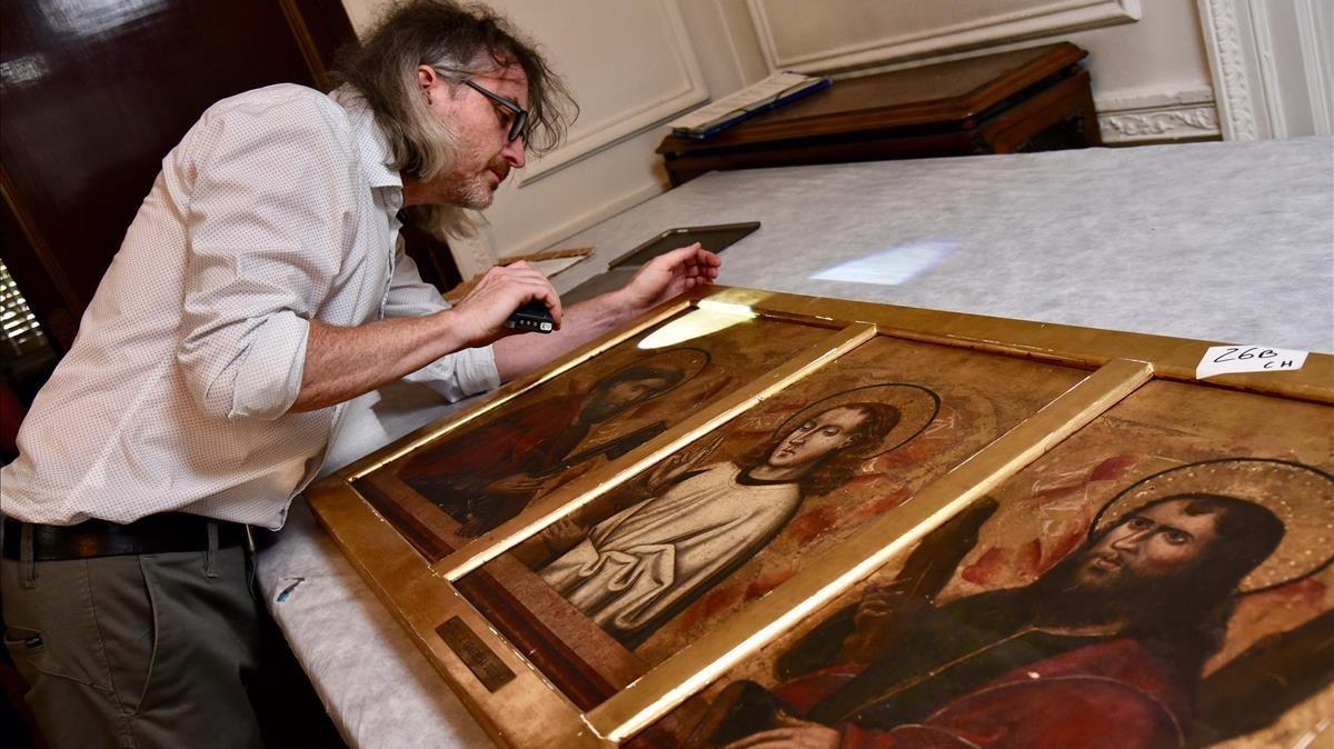 Predela de un retablo con santos de la escuela aragonesa, una de las cinco piezas del legado Muñoz Ramonet entregadas este martes.