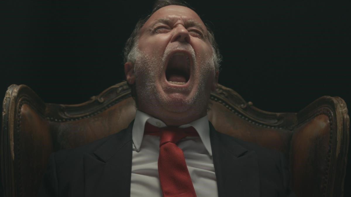 Luis Bermejo, como Juan Carlos, en un fotograma de 'El Rey'.