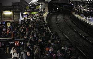 El metro de Barcelona torna aquest dilluns a la vaga