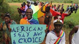 Homosexuales ugandeses durante una manifestación del orgullo gay.