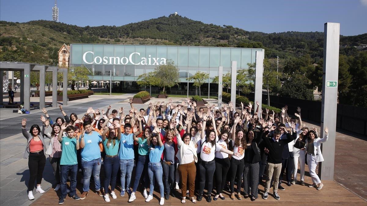 Los grupos premiados por Educaixaen el CosmoCaixa de Barcelona, este miércoles.