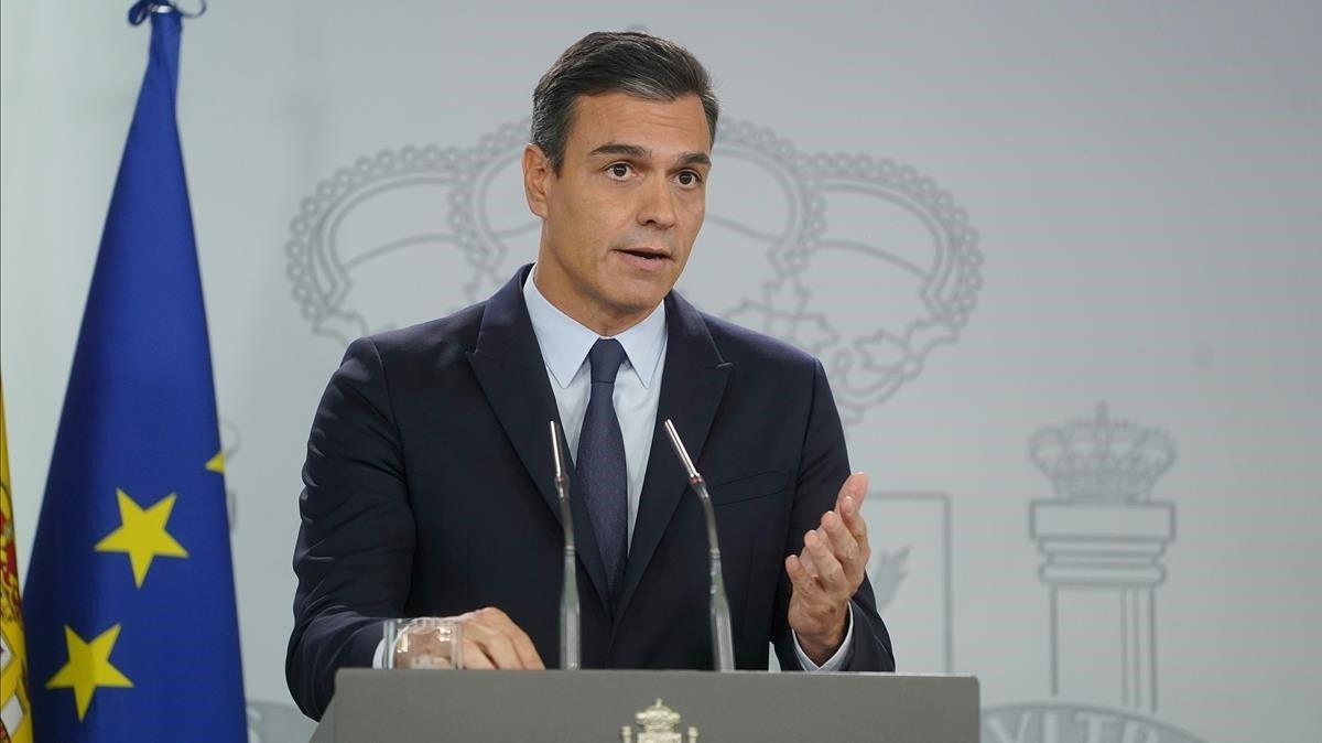 Sánchez adverteix a Torra que actuarà si no imposa l'ordre