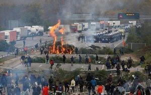 Els transportistes denuncien davant la fiscalia els talls de carreteres dels CDR