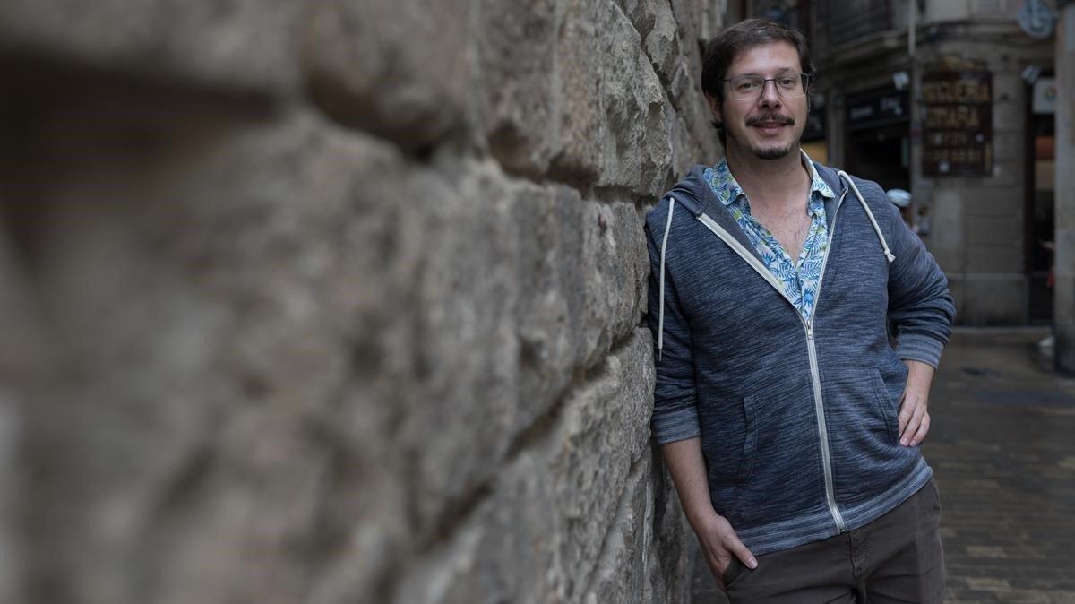 El poeta-rapsoda Josep Pedralscodirector del festival Barcelona Poesia