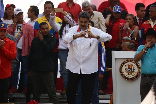 Maduro proposa eleccions legislatives anticipades com a solució