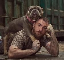 Javier Roche, presentador dA cara de perro.