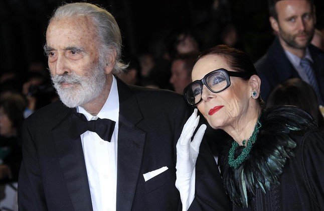 El actor Christopher Lee, con su esposa, Birgit Kroencke, en el 2012 en el Royal Albert Hall de Londres.