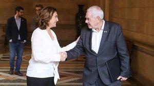 Ada Colau y Ernes Maragal, tras la reunión para negociar los presupuestos de Barcelona, este viernes.