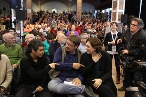Ada Colau y Xavier Domènech, en un acto enlas Cotxeres de Sants, el pasado enero.