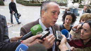 Roig denuncia que el Barça, l'Atlètic i l'Athletic li roben jugadors del planter