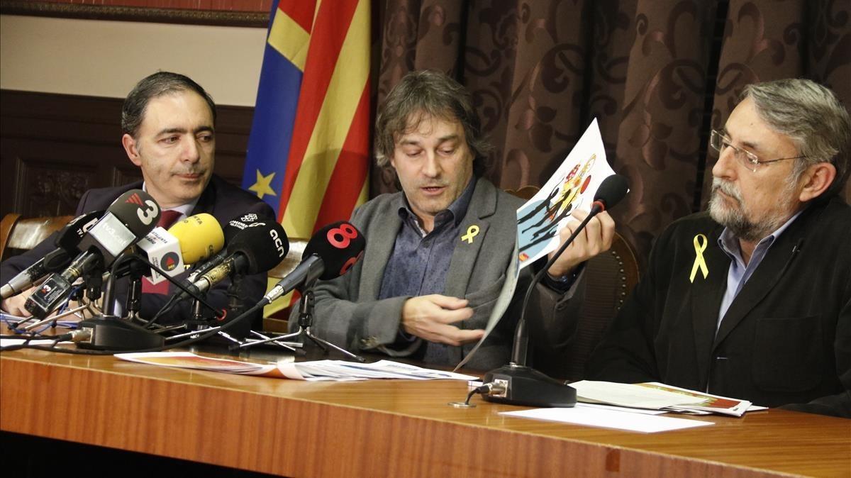 El alcalde de Ripoll, Jordi Munell, durante su comparecencia ante los medios, este jueves.