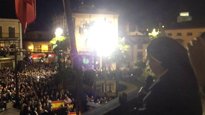 Esbroncades a Sor Lucía Caram en el pregó d'Alba de Tormes.
