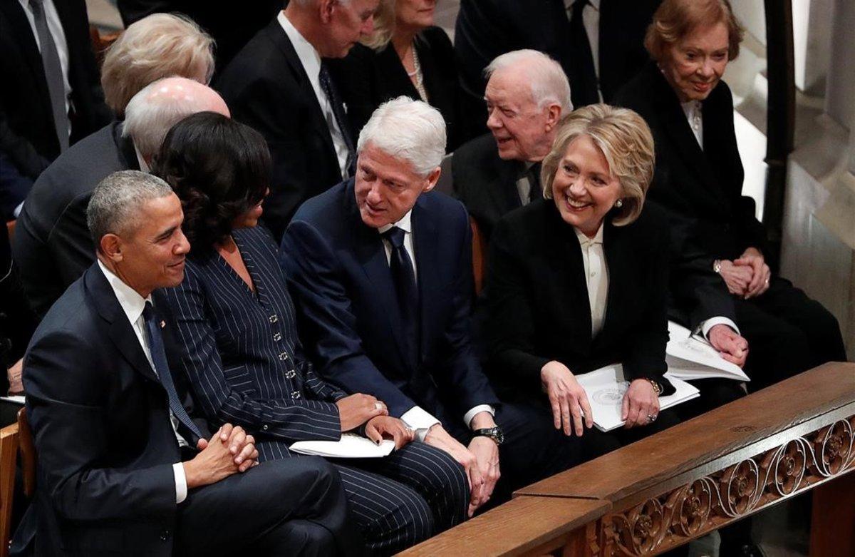 (VIDEO) El incómodo momento que vivió Trump durante el funeral de Bush