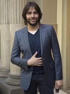 Joaquín Cortés, davant del Tívoli, poc abans de l'estrena mundial del seu nou espectacle, 'Gitano'.