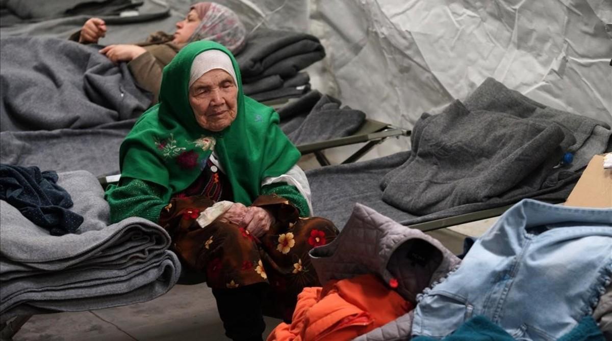 Bibihal Uzbeki, mujer afgana de 106 años.