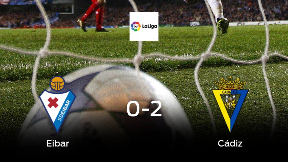 El Cádiz vence 0-2 en casa del Eibar