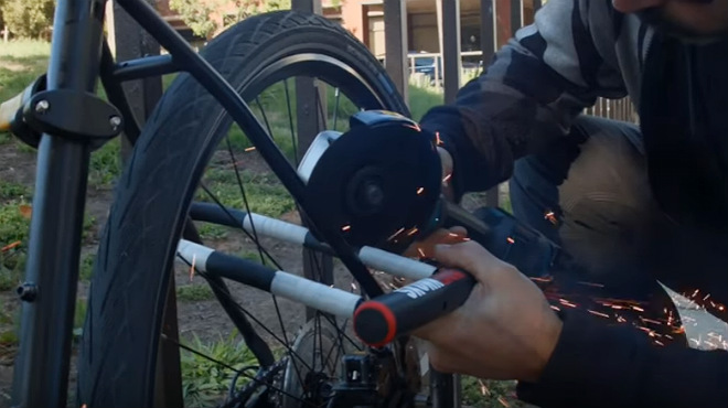 Skunklock: el candado antirrobo de bicicletas que hace vomitar a los ladrones