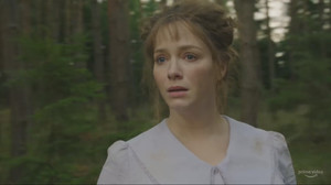 Christina Hendricks, en una imagen de The Romanoffs.