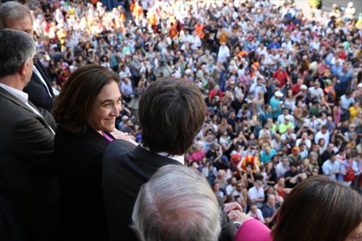 Colau y Puigdemont, en la jornada castellera de la Mercè, el martes pasado.
