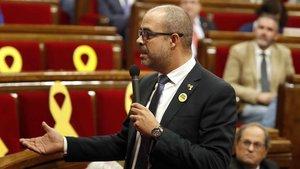 El conseller Miquel Buch, en el Parlament.