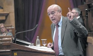 El conseller de Salut, Boi Ruiz, dimecres, en el ple monogràfic del Parlament sobre política sanitària.
