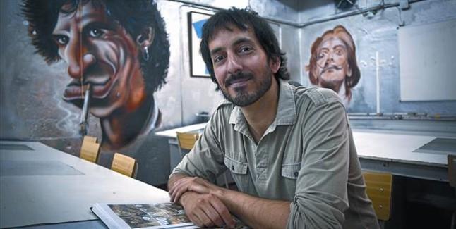 El dibujante catalán Josep Homs, ayer en la Escola Joso de cómic y artes visuales de Barcelona, donde da clases.