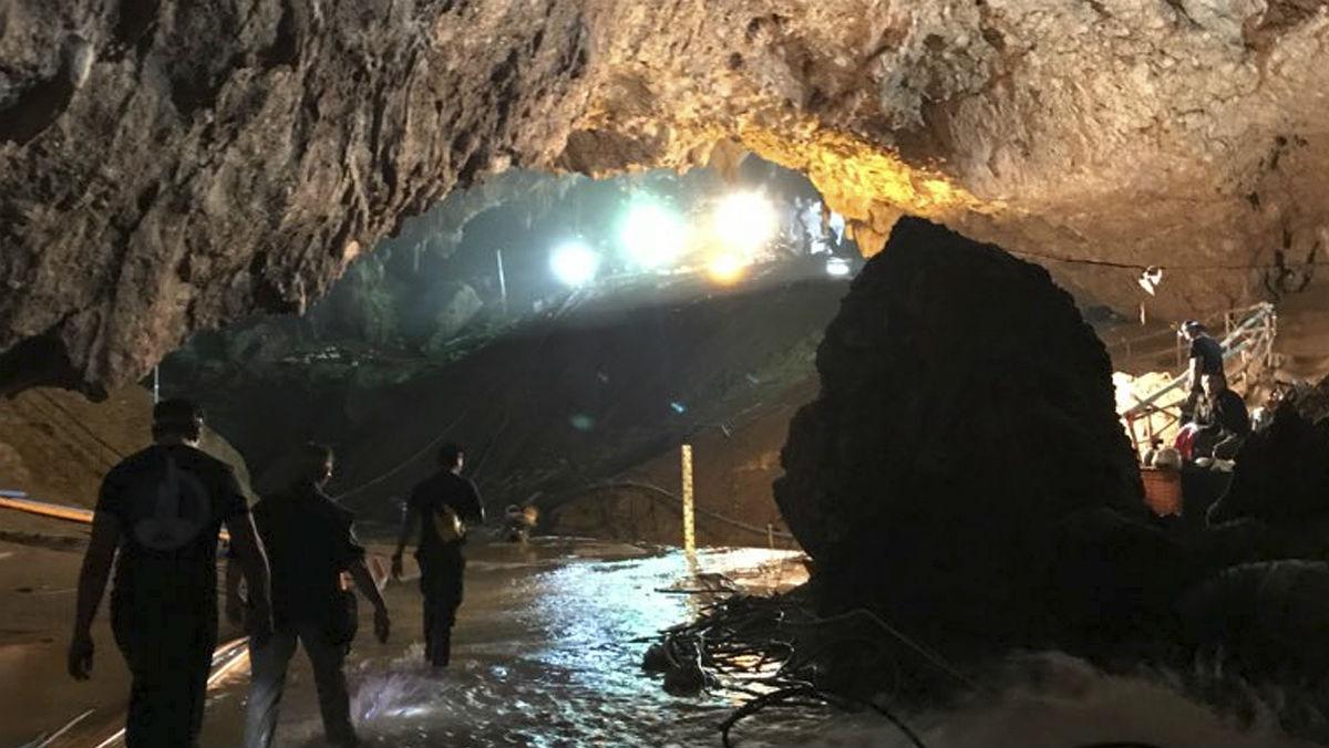 Dispositivo de rescate en la cueva tailandesa.