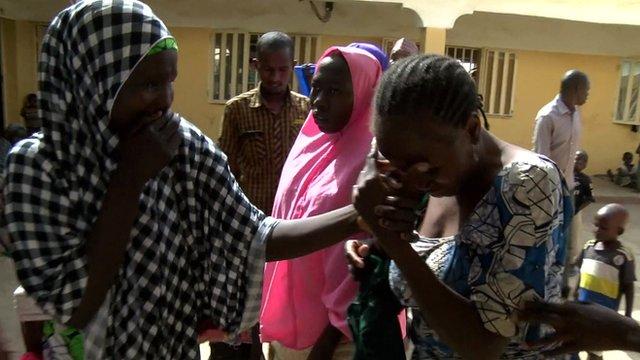 Vídeo del emotivo reencuentro con sus familias de las secuestradas por Boko Haram.