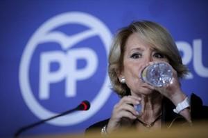 Esperanza Aguirre, en una rueda de prensa.