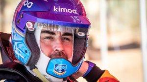 Fernando Alonso ya probó, el pasado mes de marzo, en Suráfrica, el Toyota Hilux, ganador del Dakar en manos del qataríNasser Al-Attiyah.