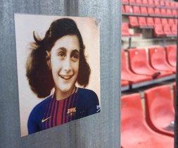 Ultres de l'Espanyol pengen fotos d'Anne Frank vestida del Barça