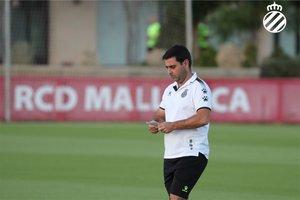 Gallego, en el entrenamiento del Espanyol en la ciudad deportiva del Mallorca.