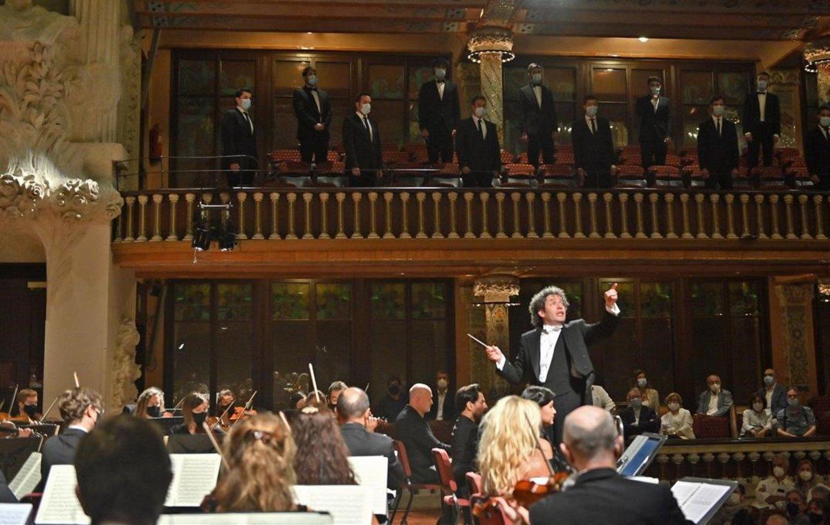 Gustavo Dudamel, durante el concierto de este viernes en el Palau de la Música.