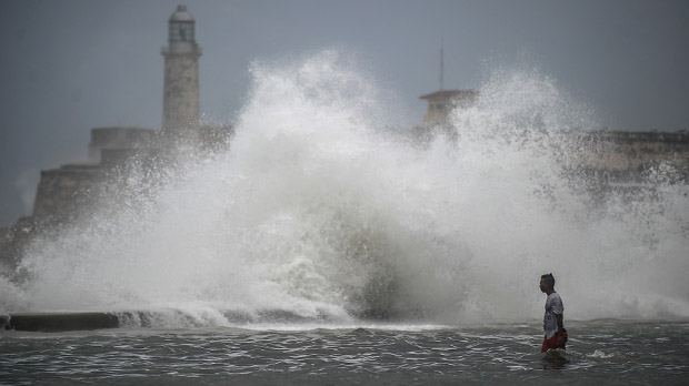 A su paso deja una crisis humanitaria en los Cayos, devastación y la amenaza de peligrosas marejadas.