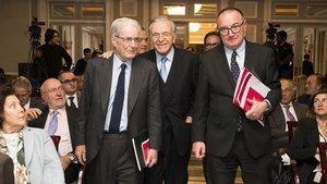 Antonio Garrigues, Isidre Fainé y Xavier Brossas, en la Asociación Española de Directivos (AED).