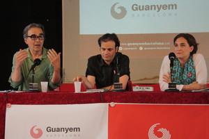 De izquierda a derecha, Joan Subirats, Jaume Asens y Ada Colau.