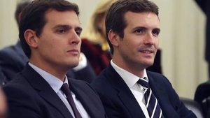 El líder de Ciudadanos, Albert Rivera (izquierda), y el del PP, Pablo Casado, en una imagen de archivo.