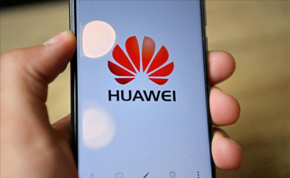 Logo de la compañía china Huawei.